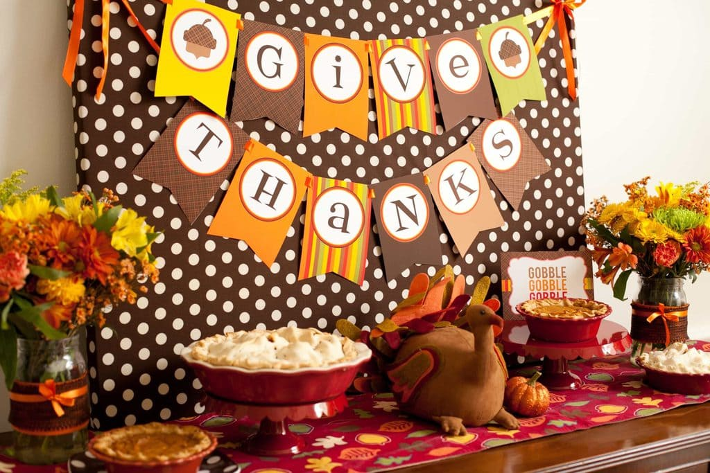 A 'Give Thanks' Craft Corner
